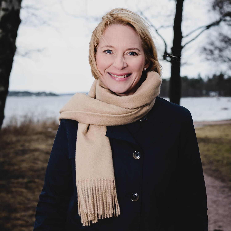 Mia Tarkiainen, yrittäjä, Lkv, Saaren LKV